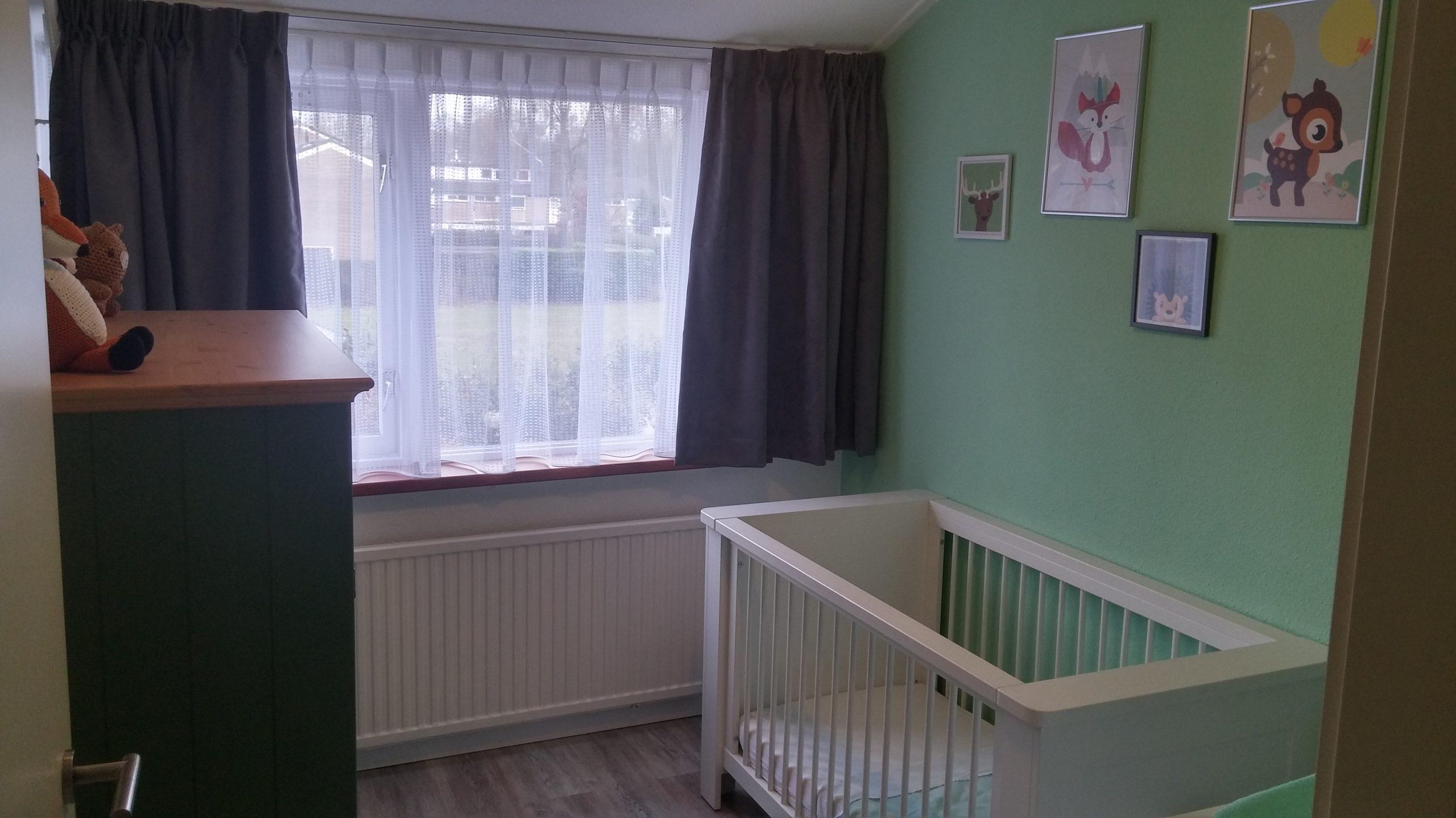 Gordijnen Babykamer Donker : Bosthema babykamer u dotjes
